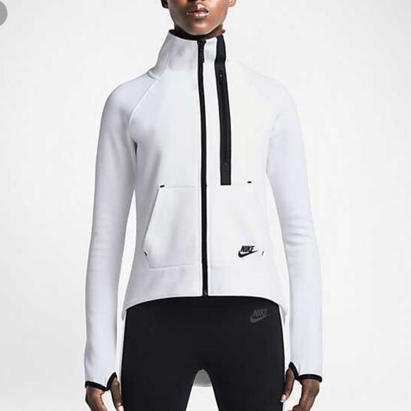 8842d65ea440 Nike Tech Fleece Moto Cape White Top SMALL